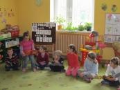 maja-czyta-bajki-krecikom-19042012