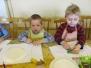 PSZCZÓŁKI W CHDK ROBIĄ PREZENTY DLA MAM 12.04.2012